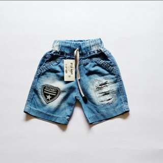 New!!!Ripped short jeans light blue
