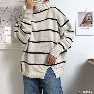 🔹 韓版高領條紋開衩厚款針織毛衣