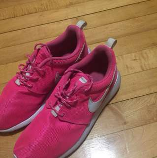 Hot pink nike roshes