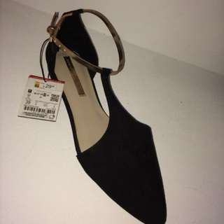 Zara Pointed Toe Flat SIZE 8 US