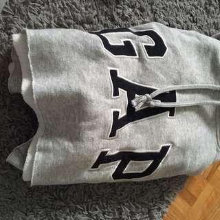 Cropped gap hoodie