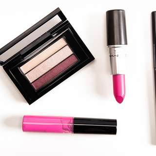 MAC Lipglass in unlimited style