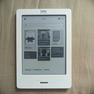 Kobo ereader with many ebooks