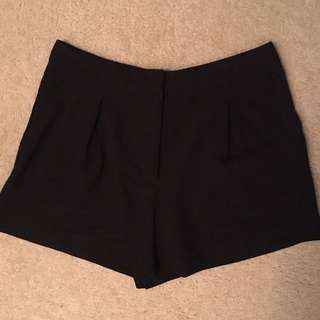Forever 21 pleated shorts size M