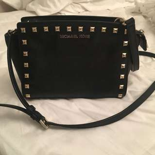 Micheal Kors - Small Purse