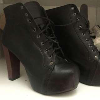 Black Healed Boots