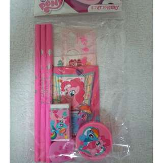 NEW - 7 in 1 Girl's & Boy's Stationary Sets New