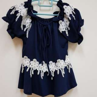 Navy blue floral top (New)