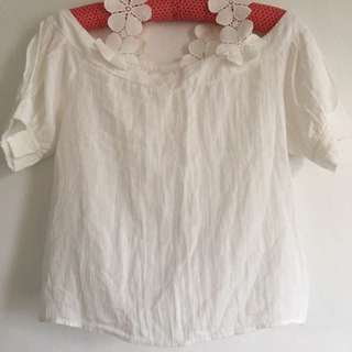 Cold shoulder white top (with flower details)