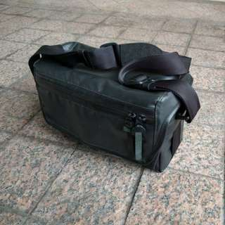 A&A Weatherproof Camera Sling Bag WCAM-7500N