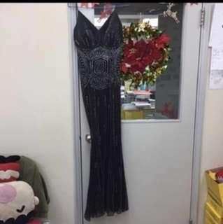 Evening Dress。 HKD 250