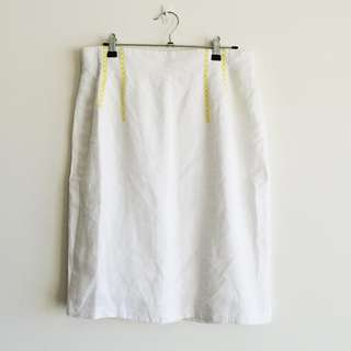 Vintage Size 8 White Linen Skirt with Yellow Detailing