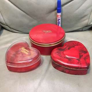 Famous Amos containers