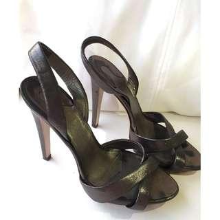 Salvatore Ferragamo 7C Metallic cross over heels