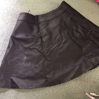 Size 8 leather skirt