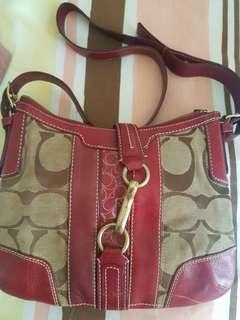 Prelove COACH sling bag 8/10