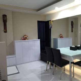 Ground floor 2 bed with patio/ near MRT