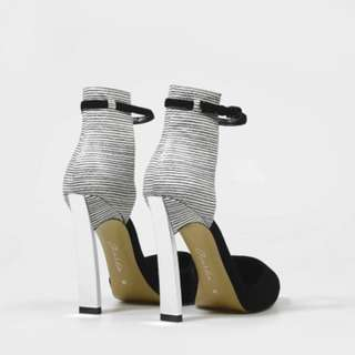 70% CLEARANCE! Charles & Keith Glamorous Silver Heels Strap