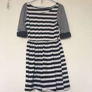 🚚 條紋休閒洋裝