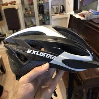9成新 單車安全帽 直牌輪 溜冰 運動用皆適用