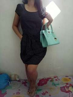 Dress polkadot hitam