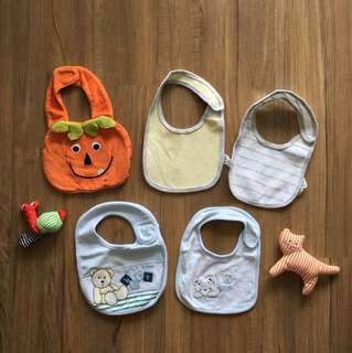 Cute baby bibs set