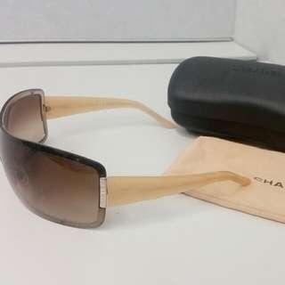 Authentic Chanel Shield Sunglasses Model 4126 RP$500