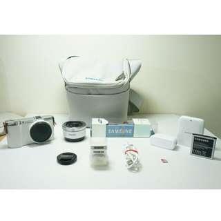 Samsung NX3000 (Body + Lens)