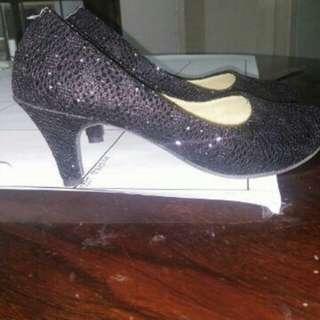 Sepatu wanita heels