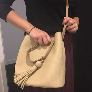 2 in 1 bucket and hand bag