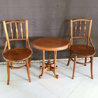 Peranakan Kopitiam Chairs and table