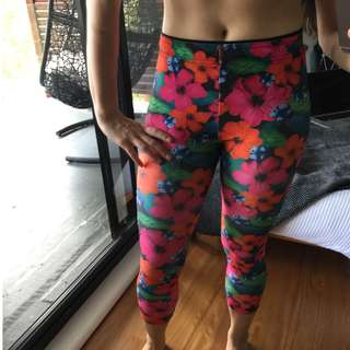 Lorna Jane Tropics 7/8 Tights (Size XS)
