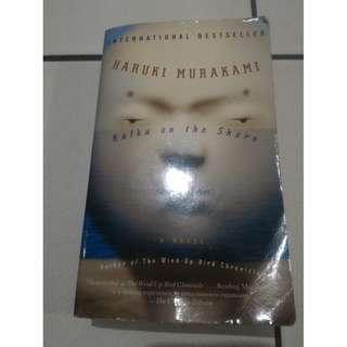 Novel bahasa Inggris Kafka on the Shore by Haruki Murakami,