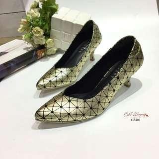 Style issey miyake bao bao court shoes