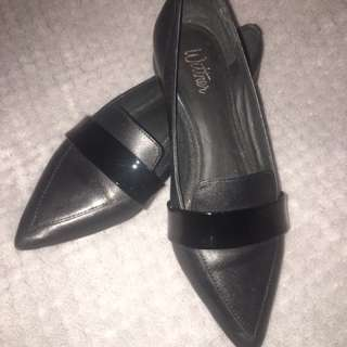 Wittner Maisy Loafer SZ 36 **ONLY WORN ONCE**