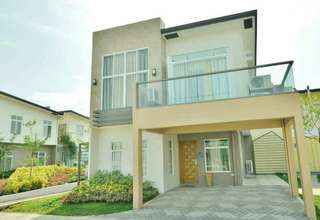 4BRS + 1FAMILY   BRIANA  SINGLE  ATTACHED AVAIBLE:    lot area 117sqm  start at 28k/monthly ...   CALL US  MORE DETAIL UNIT SALES MANGER  VIBER /GLOBE 09277613216