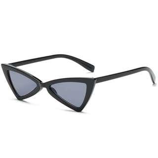 Black angular sunglasses (cateye, cat eye, vintage)