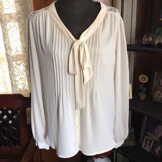 Forever21 blouse with bow