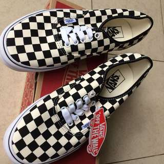 BNIB Vans Era checquered flag. Original