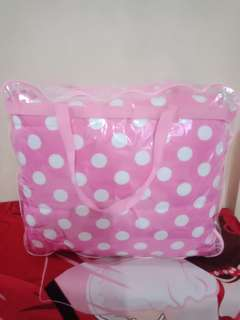 Bed cover pink