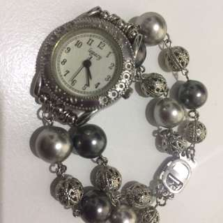 Fanciful dressy watch for ladies (small wrist)
