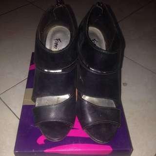 heels fiona