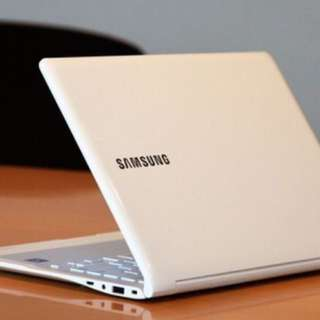 FOR SALE SAMSUNG LAPTOP VERY THIN