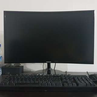 Gaming PC Set w Monitor