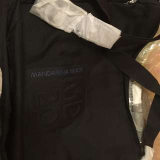 全新MD20 黑色斜袋(購自英國)