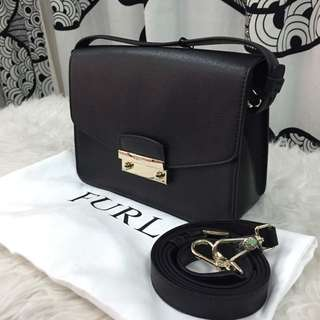 100% AUTHENTIC Furla Julia Large Leather Crossbody in Black Gold Hardware