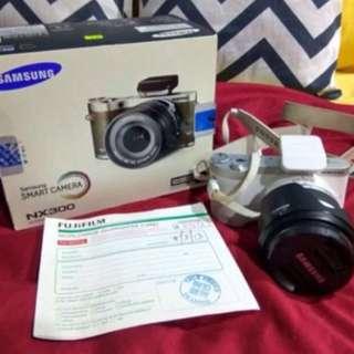 Samsung Mirrorless Camera NX300 (White)