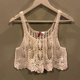 H&M Divided crocheted crop top