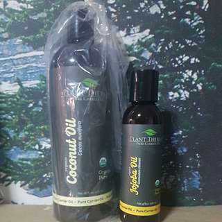 Organic fractionated coconut oil and jojoba oil