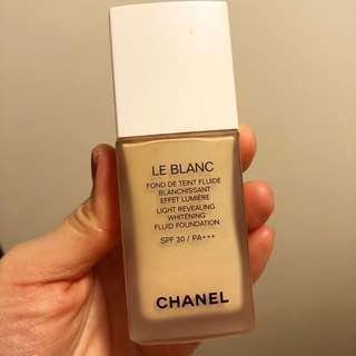 Chanel 10 beige la balance 粉底液 foundation light revealing whitening fluid foundation 保水long lasting 持久粉底 碎粉含保濕精華 貼妝 make up lotion 美白
